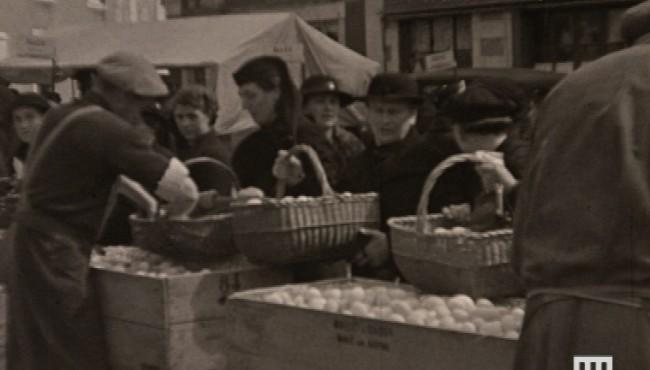 Photogramme issu du film : Camp d'internement des étrangers de Meslay du Maine d'Albert Dubuc, 1939, NB, muet, 17,5mm